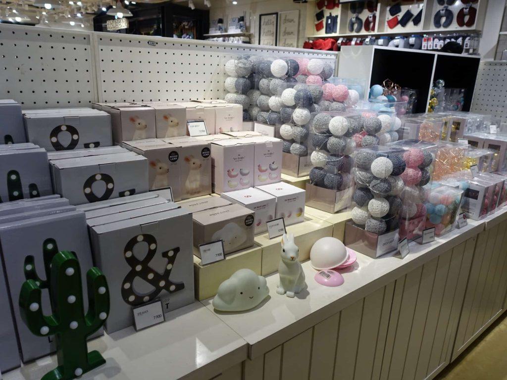 BUTTER バター 韓国 雑貨 雑貨屋 プチプラ ライト